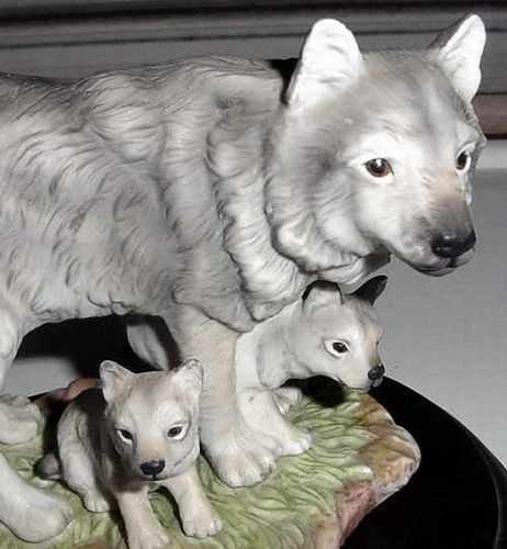 Homco Masterpiece Porcelain Grey Wolves Endangered Species