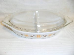 Pyrex Town & Country 1.5qt Divided Casserole & Lid Mint
