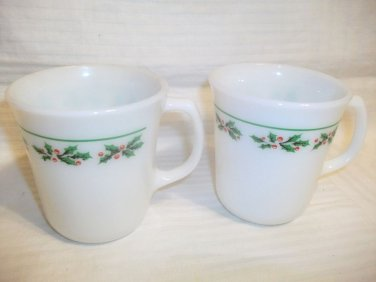Vintage CORELLE CORNING PYREX HOLLY DAYS Christmas Mugs Coffee Cups Set Of 2