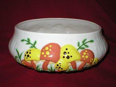 Arnel's Vintage Art Pottery Mushroom Pot or Planter