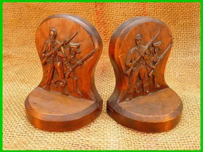 Wooden Book Ends Soldiers WWII Revolutionary War