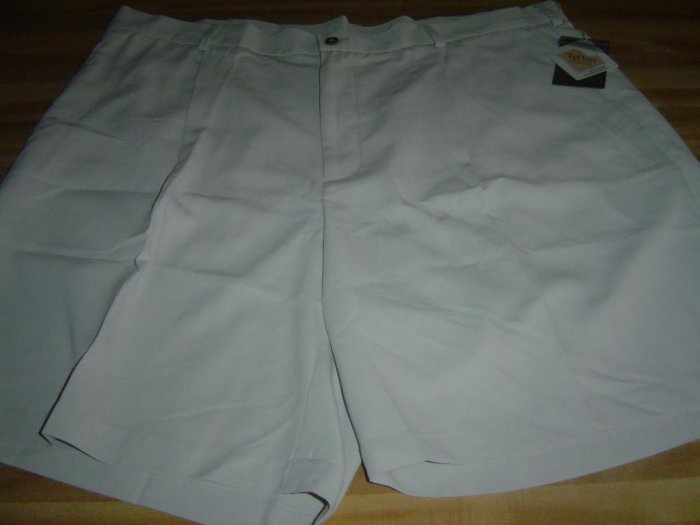 NwT 42 NIKE GOLF Tan Shorts Men New Wrinkle Resistant