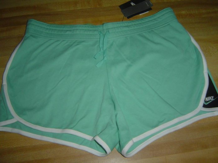 Nwt M NIKE GYM ISSUE Low Yoga Shorts Women NeW $26 HOT Green Medium