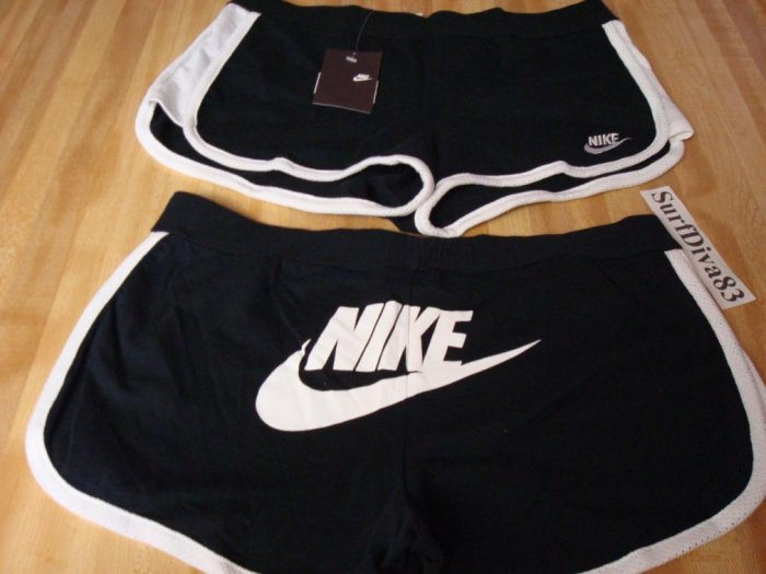 NwT M NIKE Women Lowrise WorkOut Shorts New Gym Tennis