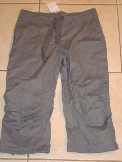 NwT M 8-10 NIKE Women Bamboo Practice Capri Pants New Medium