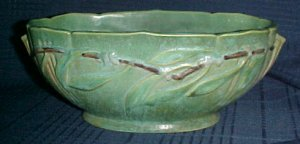 "Roseville Green Laurel Console Center Bowl 1934 9"" x 4 3/4"", 3 1/2"" Deep"