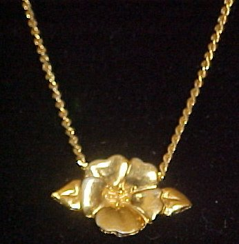 "Trifari Gold Tone Flower Necklace Choker Key Hang Tag 15"""
