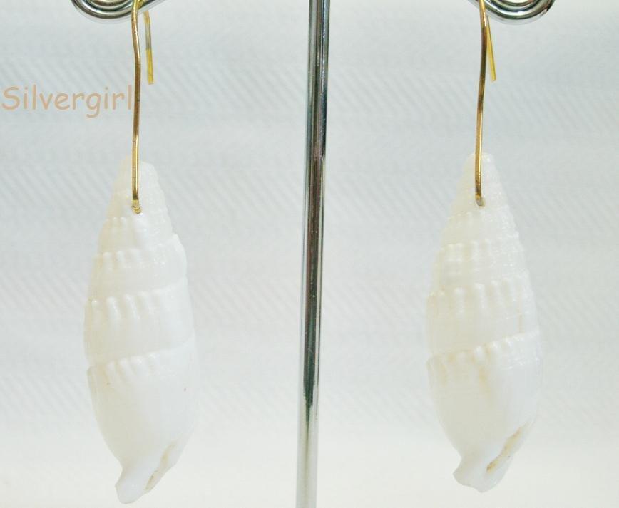 White Glass Shell Glass Earrings