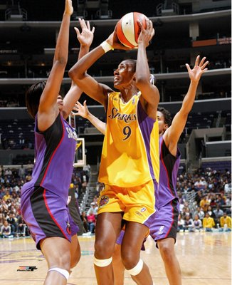 The Story Of Lisa Leslie - Queen Of The Boards - Basketball-Superstar