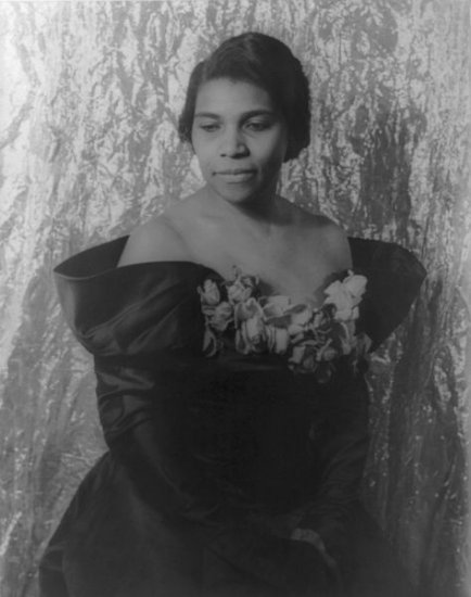 The Story Of Marian Anderson - African American Singer & Humanitarian