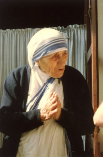 "Mother Teresa - Founded ""The Missionaries Of Charity"" & Awarded The Nobel Peace Prize"