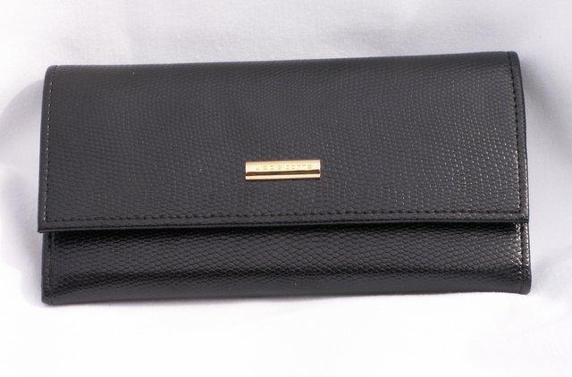 Liz Claiborne Black Clutch Wallet Moc Reptile