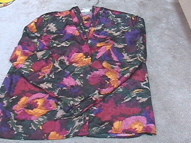 Ladies PAPPAGALLO Jewel Tone Floral Blouse 8