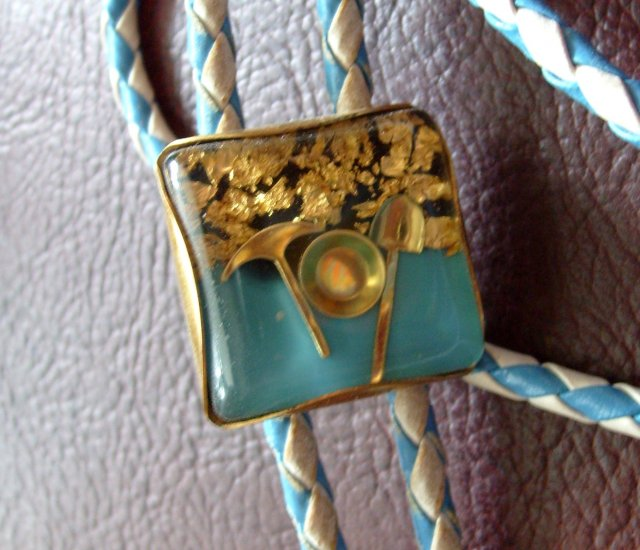 Vintage Lucite Bolo Tie California Gold Rush Panning Pan 1950s 50s