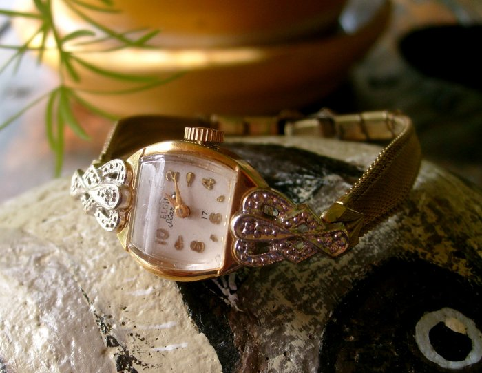Elgin Starlite 1940s 1950s Vintage Ladies Art Nouveau Deco Sterling Lug 17 Jewel Gold Elegant Watch