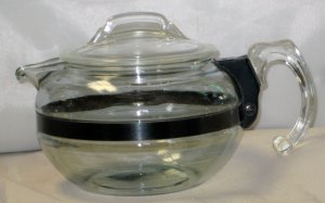 Pyrex Flameware 6 Cup Teapot 8126-B with Black Band &  Lid