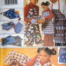 Butterick 4119 Apron Oven Mitts Table Runner Floor Pillow Christmas Gift Package Sewing Pattern