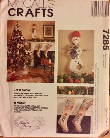 McCall's 7285 Christmas Sewing Pattern Snowman Tree Skirt Stocking wall hanging garland ornaments.