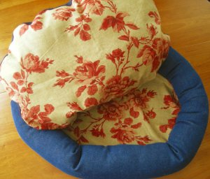 Small Pet Bed, Cat or Small Dog