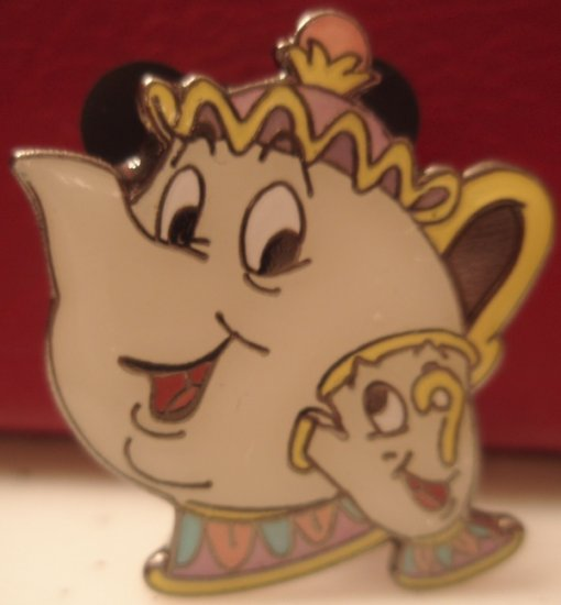 Disney Propin pin TEACUP CHIP ($3 flat shipping up to 5 pins)