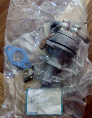 Kubota Fuel Pump Assy 19483-52030, Onan # 149-2059 NEW