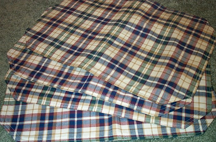 Retired Longaberger Set Of 4 Woven Traditions Plaid Placemats