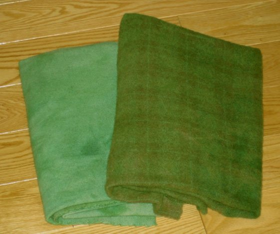 Meadow Green overdye wool for rug hooking -- Woolly Mammoth Woolens