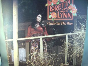 Loretta Lynn - One's On The Way