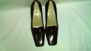 Bandolino Dark Brown Ladies Buckled Pump Shoes, Women's Size, 7 1/2 Med.