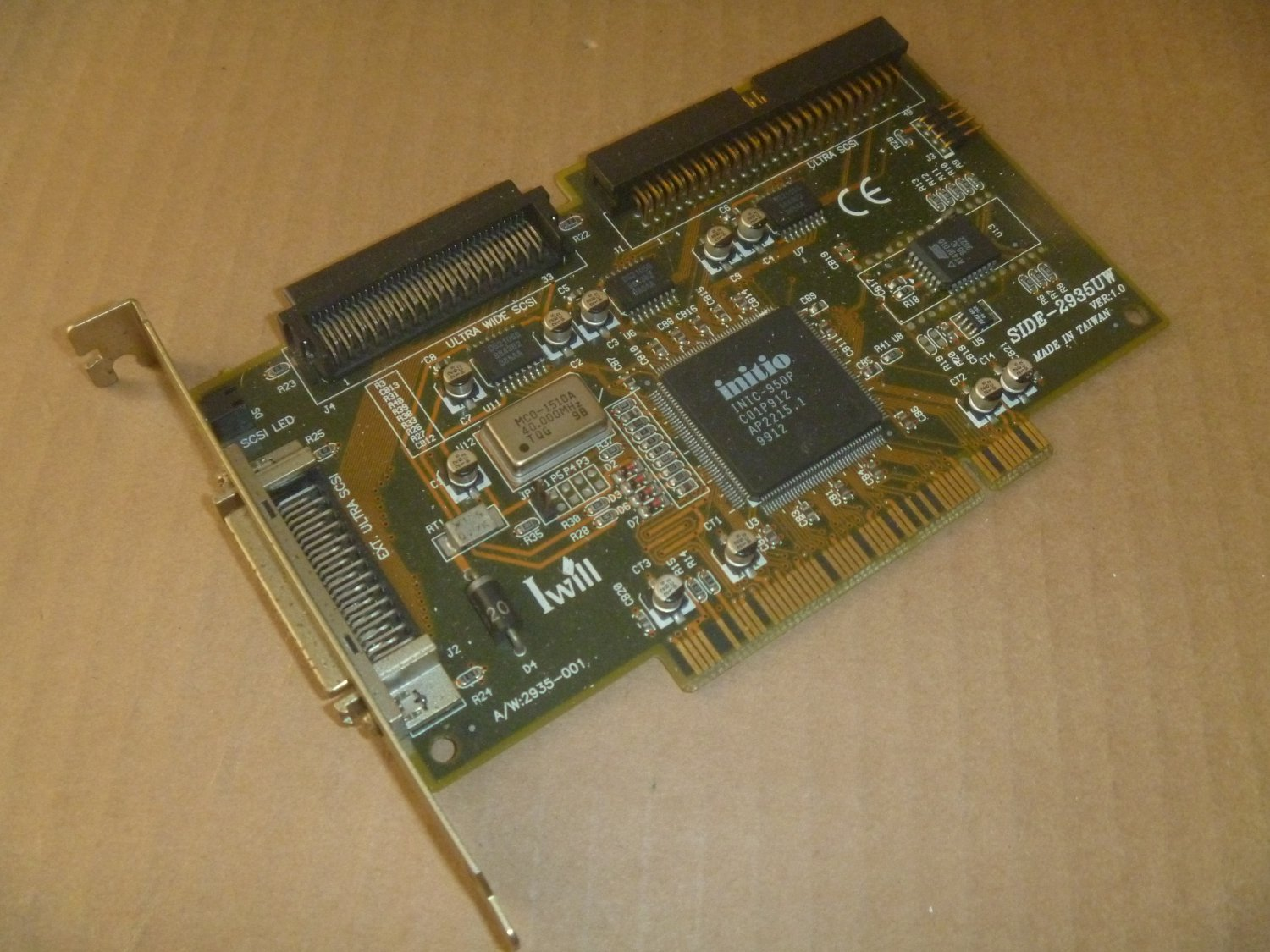 IWill SCSI Controller. PCI  -  Side 2935UW