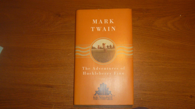 The  Adventures of Huckelberry Finn     Mark Twain