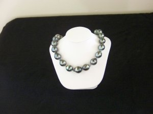 Authentic Salt Water Tahitian Black Pearl Strand
