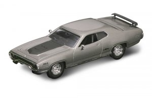 Road Legends 1971 Plymouth GTX By Yat Ming, 1:43 Scale - Silver