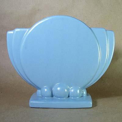 Vintage Art Deco Moderne Modernist Pottery Vase-Maker?