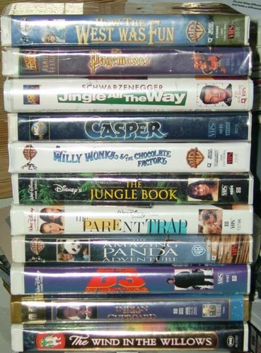 Lot 11 Movies Video Willie Wonka Pagemaster + Disney Free Shipping