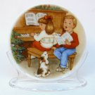 Hallmark Christmas miniature plate Sweet Holiday Harmony 1992 mini plate stand box