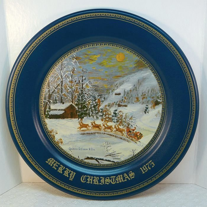Vtg Queenie Franklin tin 1975 Christmas plate Arrival of Santa Claus Arlington Art