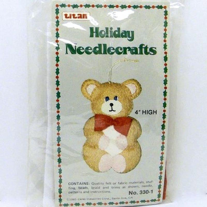 Titan Christmas Holiday Needlecrafts Felt Ornament Kit Bear 4 inches