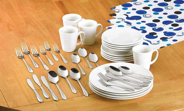 Pop Art Dinnerware set