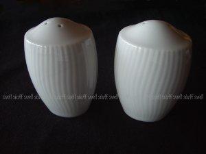 Noritake Pacific Hill Salt and Pepper Shaker Set White