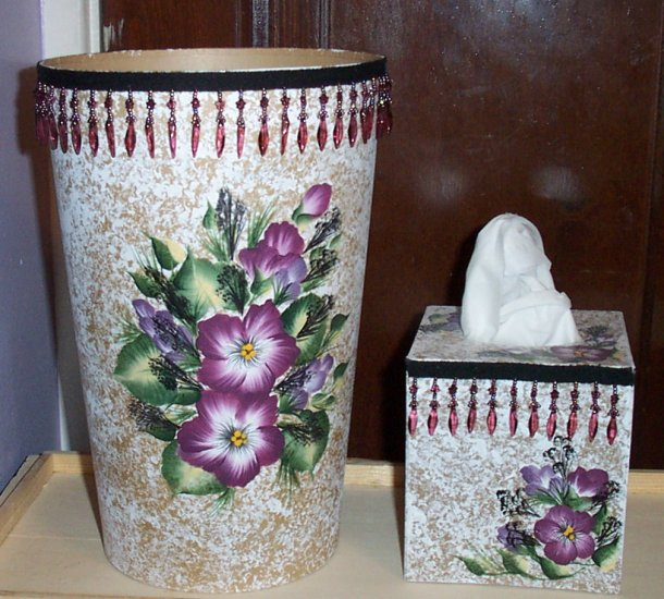 Burgundy Flowered Bath Set