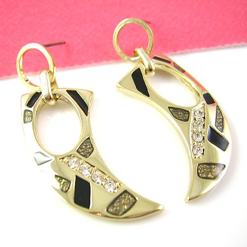 Gold Fashion designed Earring