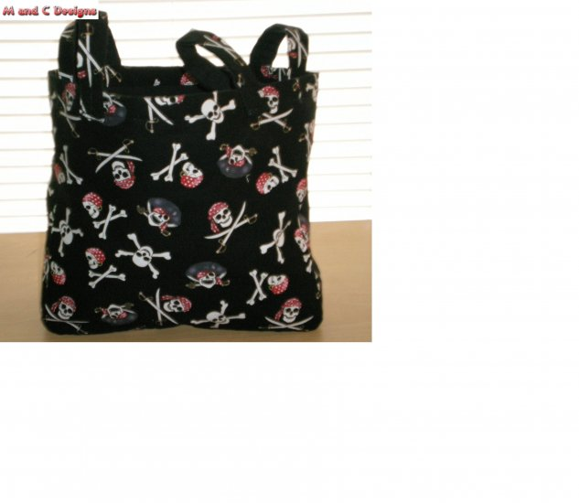Pirate skull purse