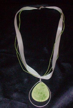 Ribbon Necklace