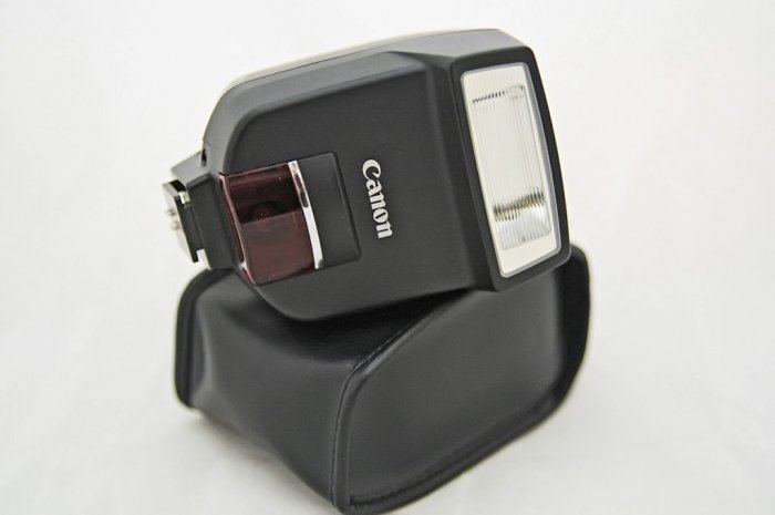 Canon Speedlite 220EX for Canon Pro1, Pro 90, G Series and all EOS SLR Cameras