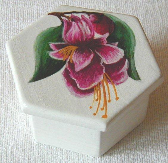Jewelry box, white with Fushia flower