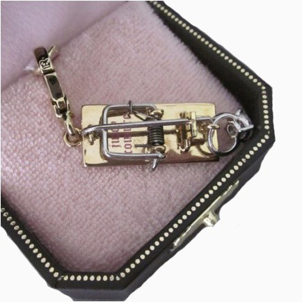 New Juicy Couture Mousetrap Engagement Ring Charm Gold