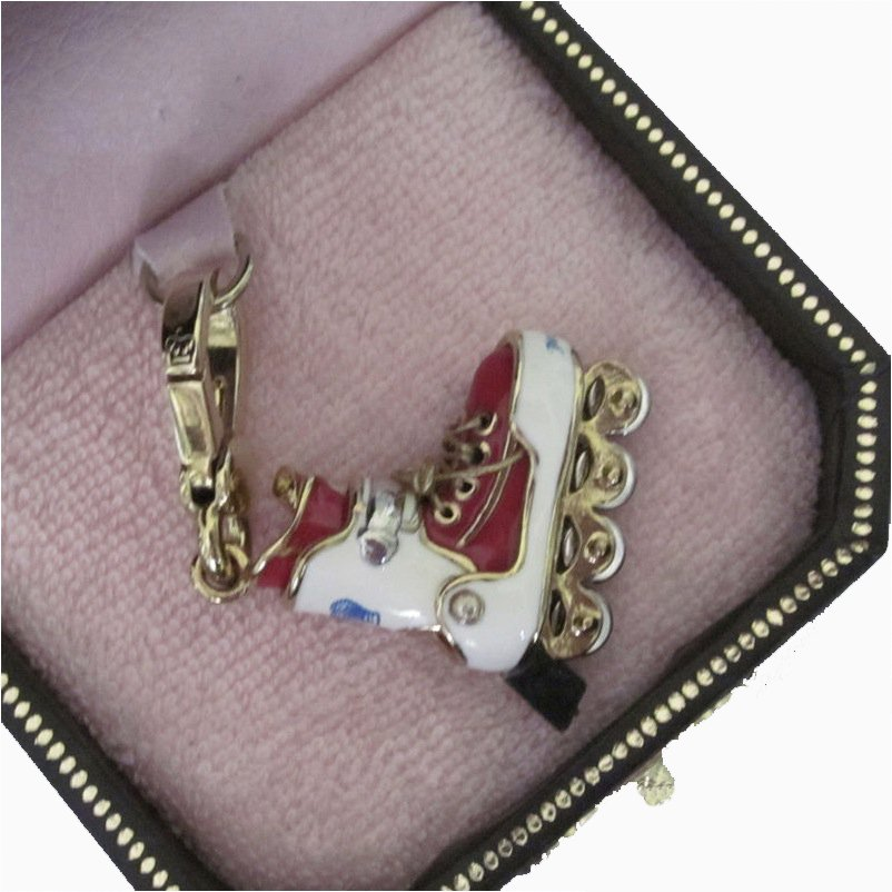 New Box Authentic Juicy Couture Rollerblade Skate Red White Gold Charm YJRUO740