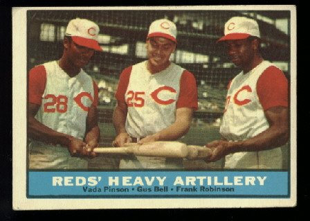 1961 Topps #25 Reds' Heavy Artillery baseball card  Vada Pinson Gus Bell and Frank Robinson