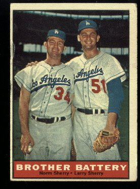 1961 Topps #521 Brother Battery Semi High Norm Sherry  Larry Sherry baseball card